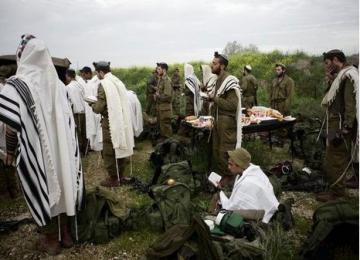 המסדר יעבור לדוס: מי מפחד מהחיילים הדתיים?